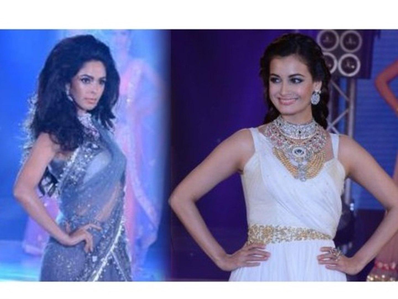 Mallika Sherawat, Dia Mirza Walks The Ramp - Bullion Jewellery Fashion Show 2013
