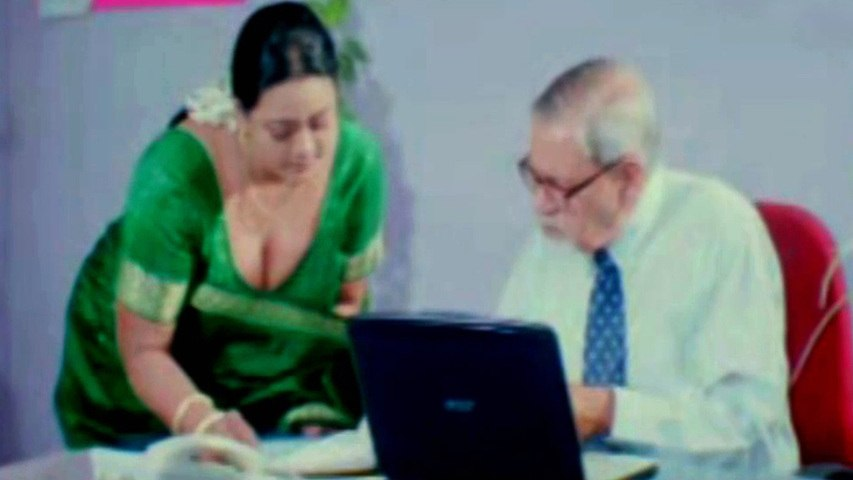 Hot Shakeela Exposing Her Boobs To Melkote to Impress - HD
