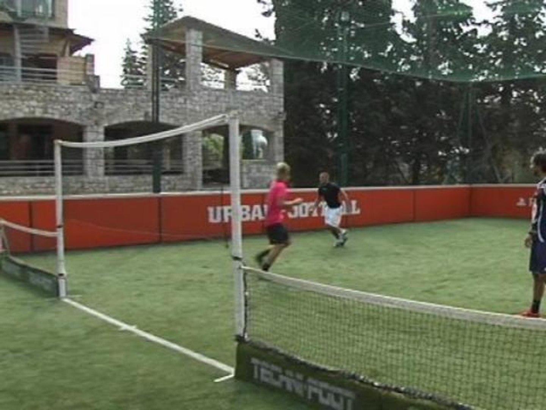 Le techni-foot: le sport qui associe le football et le tennis - 08/10