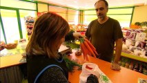 Spanish theater owner saves his business - with carrots