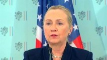 Hillary Clinton warns Syria on chemical weapons