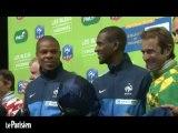 Football : les Bleus en mode détente à l'hippodrome de Vincennes