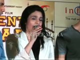 Hot sexy Alia Bhatt on Hot sexy Kareena Kapoor - Student Of The Year -SOTY