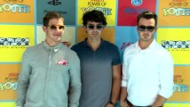 Jonas Brothers sagten ihre 19-Tage-Tour nur 2 Tage vor ihrem ersten Auftritt ab
