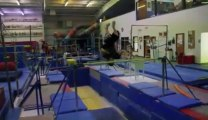 Mauvaise réception en barres parallèles!! Fail Gymnastique!!