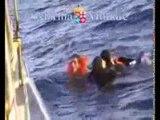 Lampedusa (AG) - Il video dell'ultimo naufragio di migranti (11.10.13)