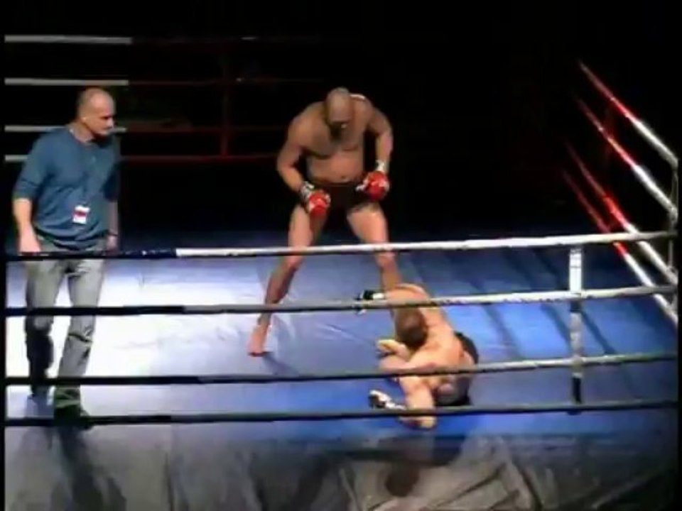 Mateusz Głuch vs Łukasz Przybylski - video Dailymotion