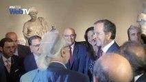 Εκθεση έργων τέχνης με τον τίτλο  «Προσφορά» στο Εθνικό Αρχαιολογικό Μουσείο. Εγκαίνια απο τον πρωθυπουργό  Αντ. Σαμαρά