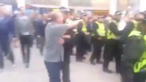 Un chien policier attaque un policier à Londres