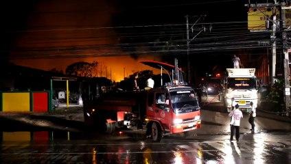 Phuket (Thailande) 16/10/2013 Rush complet incendie Phuket Town