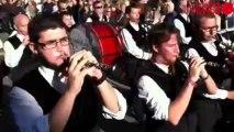 30e anniversaire du bagad de Lorient - Le bagad de Lorient joue et défile