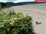 Algues vertes. Un maire interdit l'accès au littoral, l'autre non