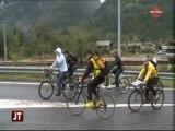 Manifestation à vélo pour la création d'une piste cyclable