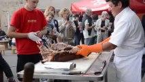 Cochon cuit à la broche à Saint Gervais d'Auvergne (Puy de Dôme)