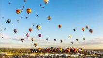 Plus de 700 montgolfières dans le ciel du Nouveau-Mexique