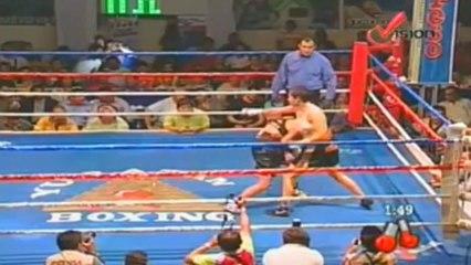 2013-11-01 Ana Julaton vs Perla Hernandez