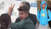 Justin Bieber Shows His Support For Chris Brown