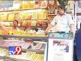 Adulterated sweets flood shops this Diwali, Mumbai Part 1 - Tv9 Gujarat