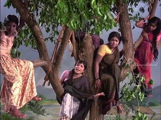 Ninaithathai Mudippavan - Sharada's aunty dies