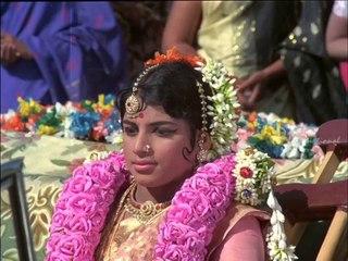 Ninaithathai Mudippavan - MGR wishes newly married couple