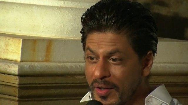Shahrukh Khan Celebrates His 48th Birthday With Media In Mannat – Shahrukh Khan Birthday 2013