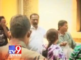 Two arrested for producing fake documents to get job in Mumbai - Tv9 Gujarat