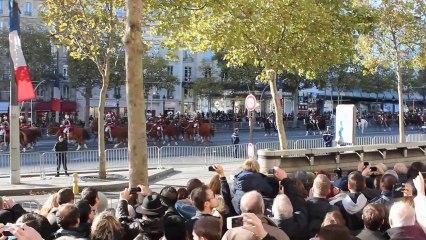 11 Novembre 2013 : Hollande hué sur les Champs Elysées