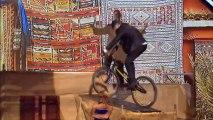 Maxime Senden et son vélo acrobatique