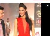 Bollywood Actresses Nargis Fakhri on Fashion Show ramp