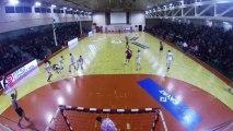 Romuald Kolle de l'US Ivry Handball inscrit un très beau but face à Nîmes lors de la 9e journée de D1