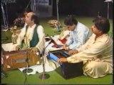 Mehdi Hassan --- Zindagi Mein To Sabhi Piyaar Kia Karte Hain