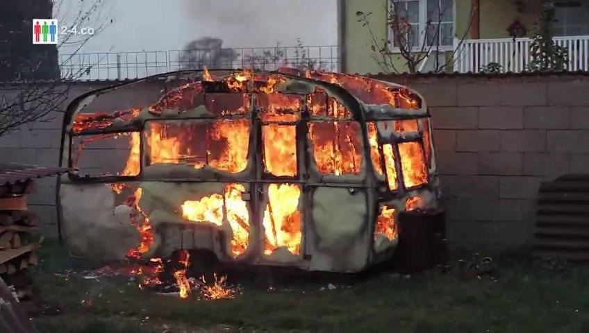 Wohnwagen in Brand gesteckt - Brandstiftungen in Region Hainburg