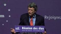 Jean-Louis Borloo s'adressant aux élus démocrates et indépendants