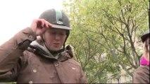 Poneys et cavaliers défilent à Paris contre une hausse de la TVA