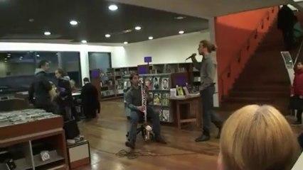 """Duo Echo en acoustique à la bibliothèque """"je n'aime pas les gens"""" Aragon"""