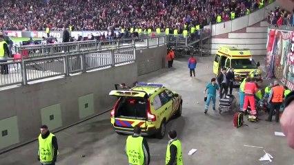 Ajax Fan Accident After Celebrating Ajax Goal Vs Barcelona HD
