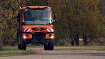 The new Mercedes-Benz Unimog implement carrier Euro VI - special platform