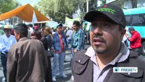 """Mexican farmers protest """"low-priced"""" products"""