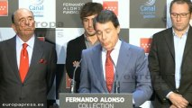 Alonso inaugura la exposición de su trayectoria