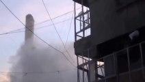 Le minaret d'une mosquée détruit par un char en Syrie