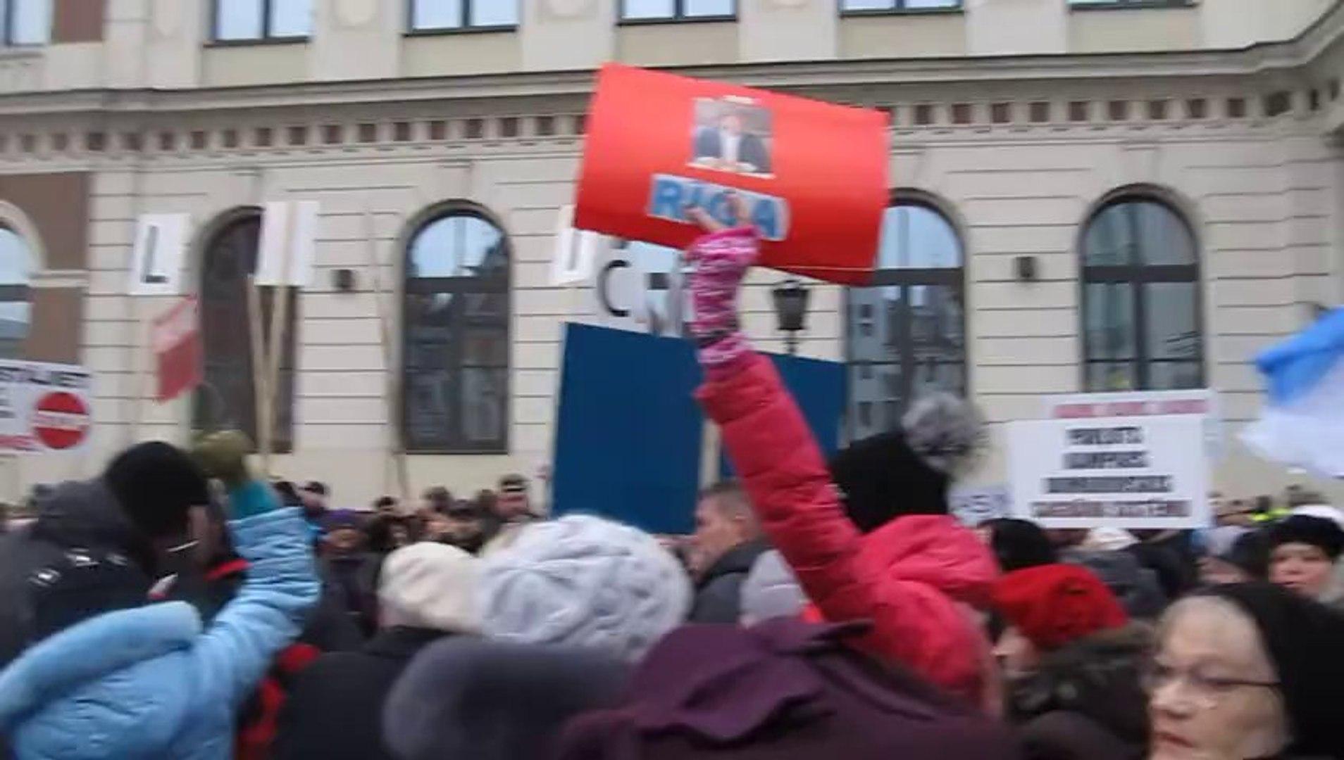 пикет у РИжской думы часть 11 3 декабря 2013