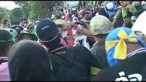Bangkok (Thailande) 02:12:2013 RUSH Riots Back Line 2 and End
