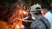 Bangkok (Thailande) 02-12-2013 RUSH Riots Night Back Line 2
