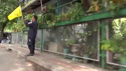 Bangkok (Tahilande) 30:11:2013 La Police massee derriere des murs de beton