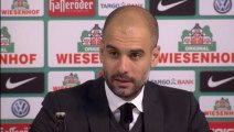 Guardiola congratulates Bayern players
