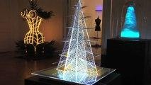 Gli alberi di Natale degli stilisti all'asta contro il cancro