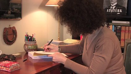 Vidéo de Theresa Révay