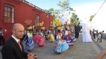 DANSES TRADITIONNELLES DANS LES RUES D'OAXACA  (MEXIQUE)  LE 17 NOVEMBRE 2013