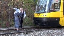 Gandalf  VS Train : You Shall not Pass