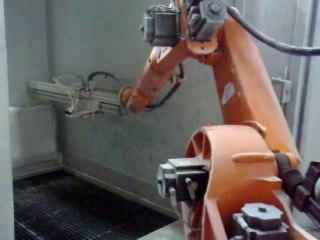 Erregi 2 Industriale video robot usato Kuka per  verniciatura prodotti di grandi dimensioni su impianto galvanico